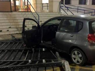 Lanzarote: Auch das gibts » Mit Auto betrunken in Polizeistation gerast
