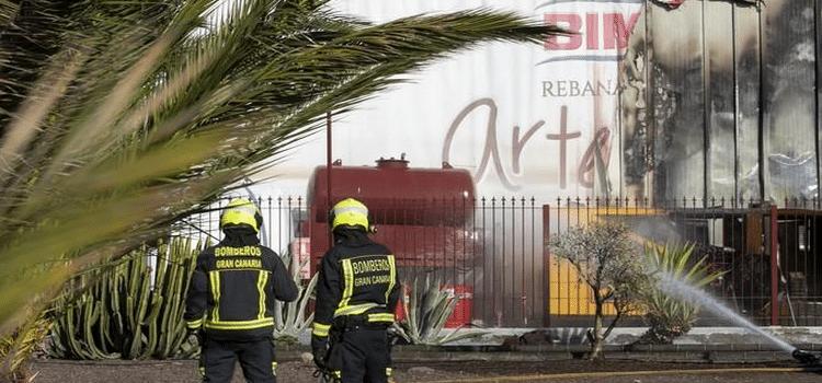 Gran Canaria: Feuer bei Bäckerei Bimbo » 100 Mitarbeiter evakuiert