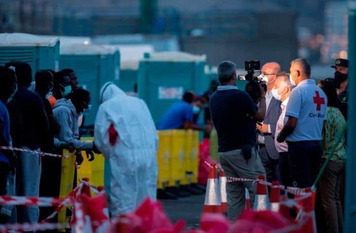 Flüchtlingskrise Kanaren: COVID-19 bremst Rückführungen aus